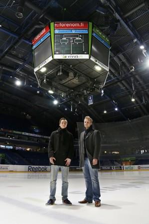 Velja Engström ja Samuli Törrönen selostavat lauantain Blues-Lukko ottelun. Kuva Veera Visuri