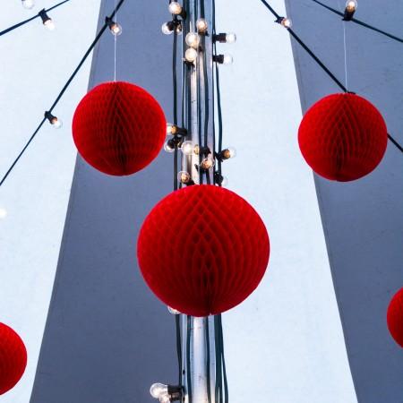 Punainen pallo (1 of 1)